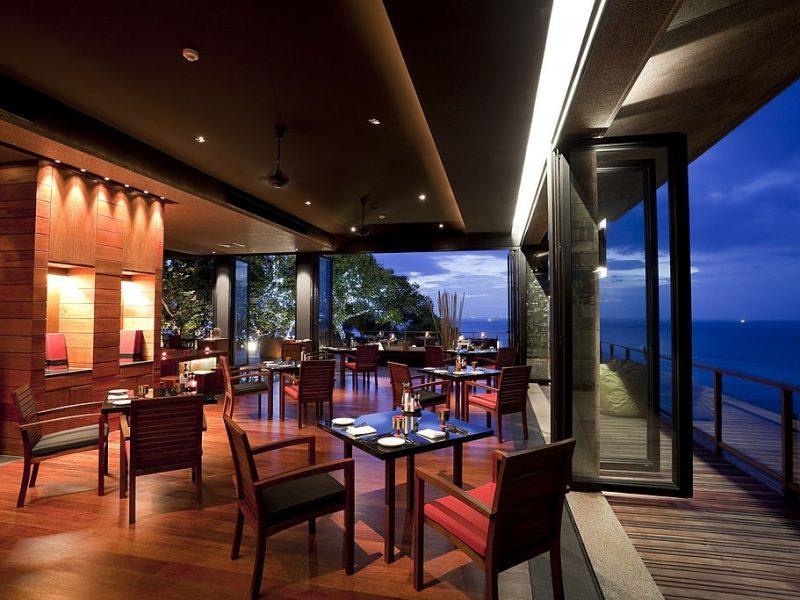 suelos para terrazas de bares y restaurantes