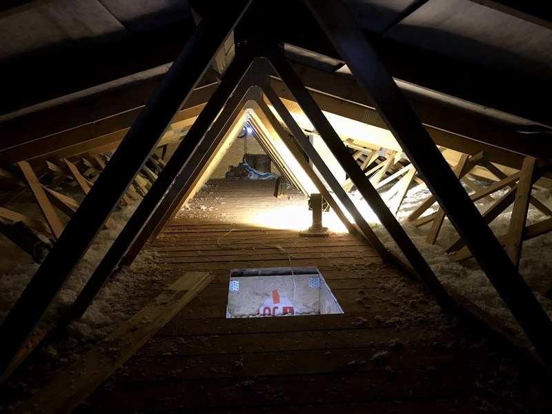 Zateplený strop fúkanou izoláciou