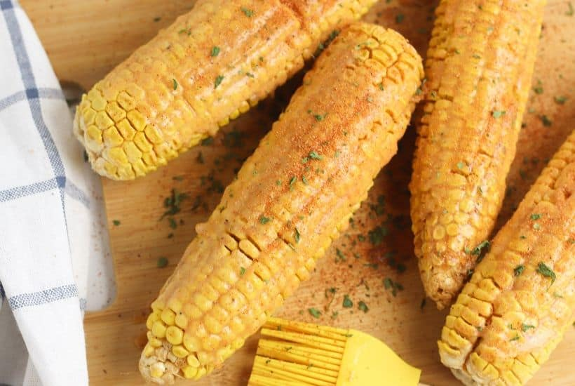 Summer calls for corn on the cob. Spice up your corn with this tasty Cajun roasted corn recipe. This easy corn ecipe is perfect for any summer BBQ. #Corn #CornRecipe #SummerRecipe #BBQ
