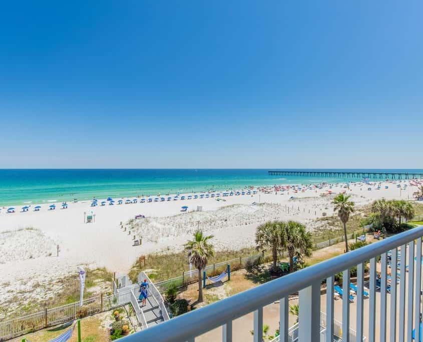 https://www.booking.com/hotel/us/hampton-inn-pensacola-beach-gulf-front.en-gb.html?aid=308283&label=pensacolaarticle