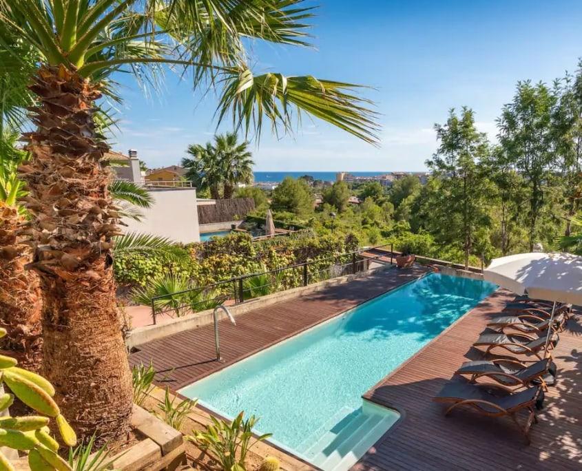 Moderna Villa Arago con vista mare e piscina privata