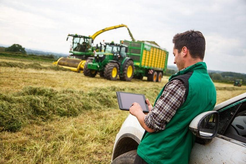 How farmers use John Deere Operations Center