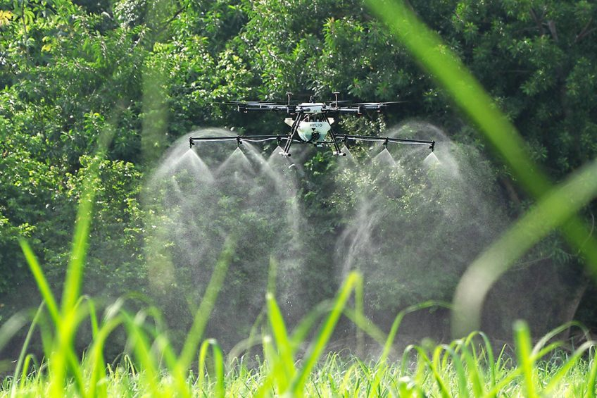 Operating a spray drone requires skill and expertise – which few farmers and new users will have. To gain experience all new users will need proper training and should make numerous practice flights. - Photo: Hylio