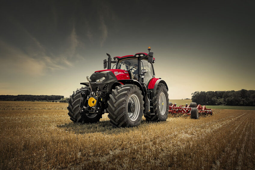 The Optum AFS Connect range, like the line-up it succeeds, contains three models, with rated power outputs of 250hp, 270hp and 300hp. - Photo: Case IH