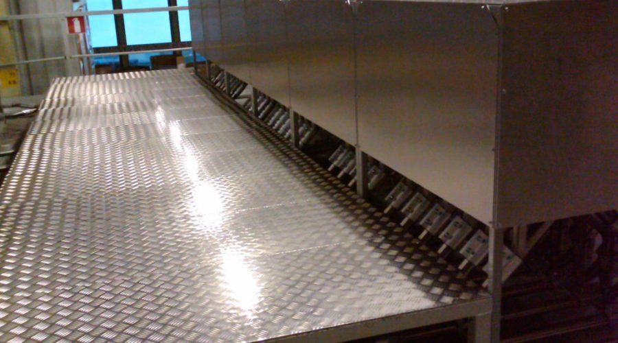 Grondstoftransport: omsteekstation granulaat toevoer