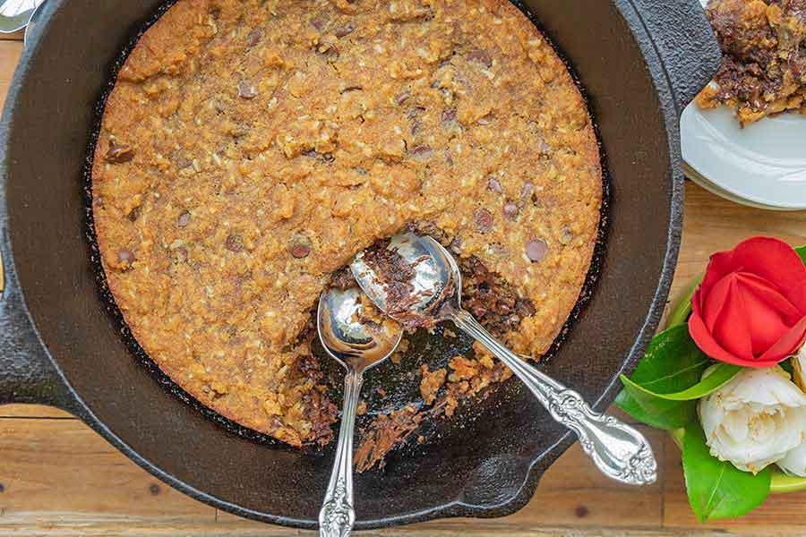 skillet chocolate chip cookie, gluten free