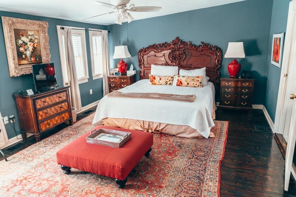 Charming bed & breakfast room with vintage furniture in Savannah, Georgia