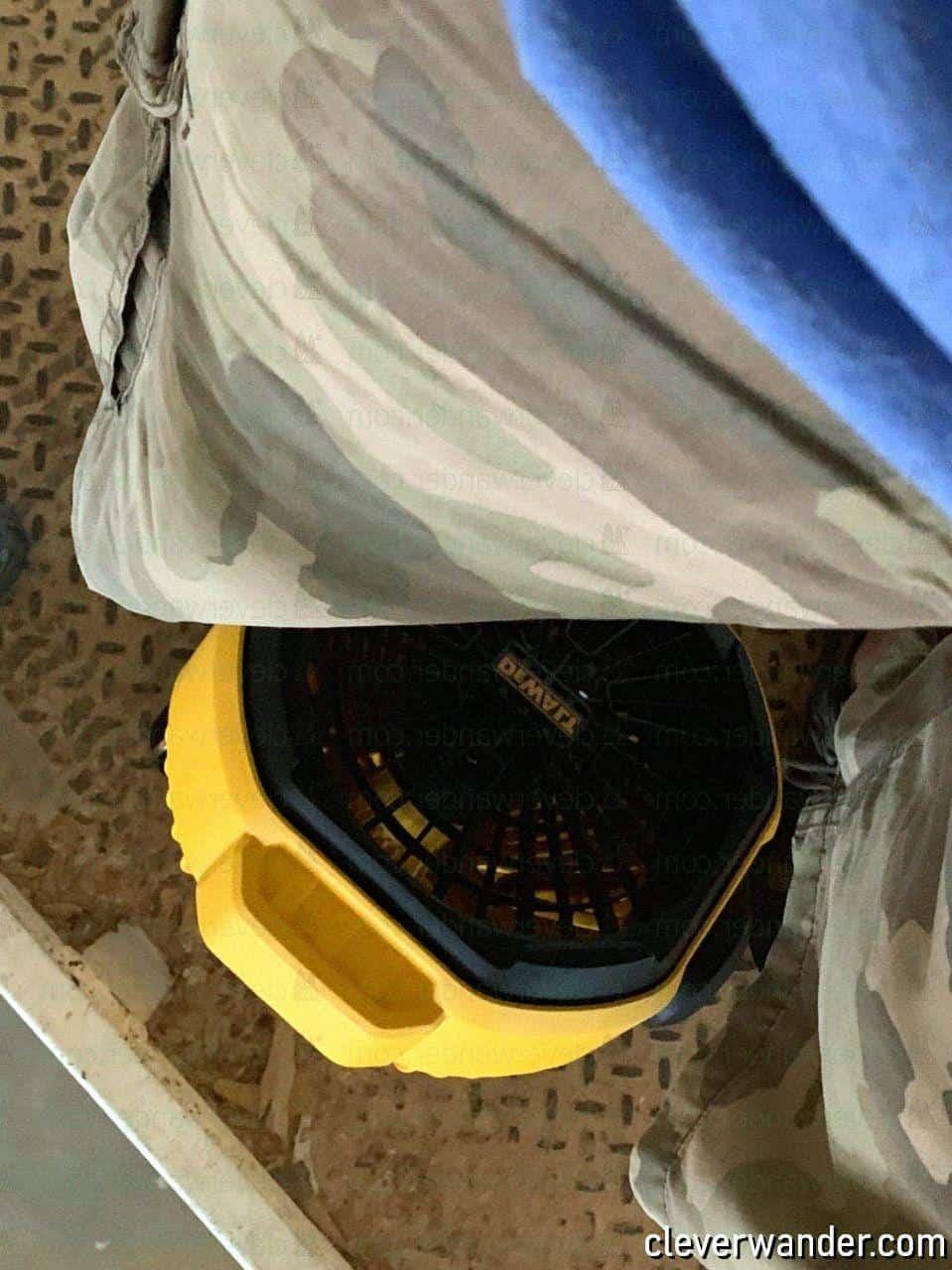 Dewalt DC3511B Cordless Jobsite Fan - image review 4