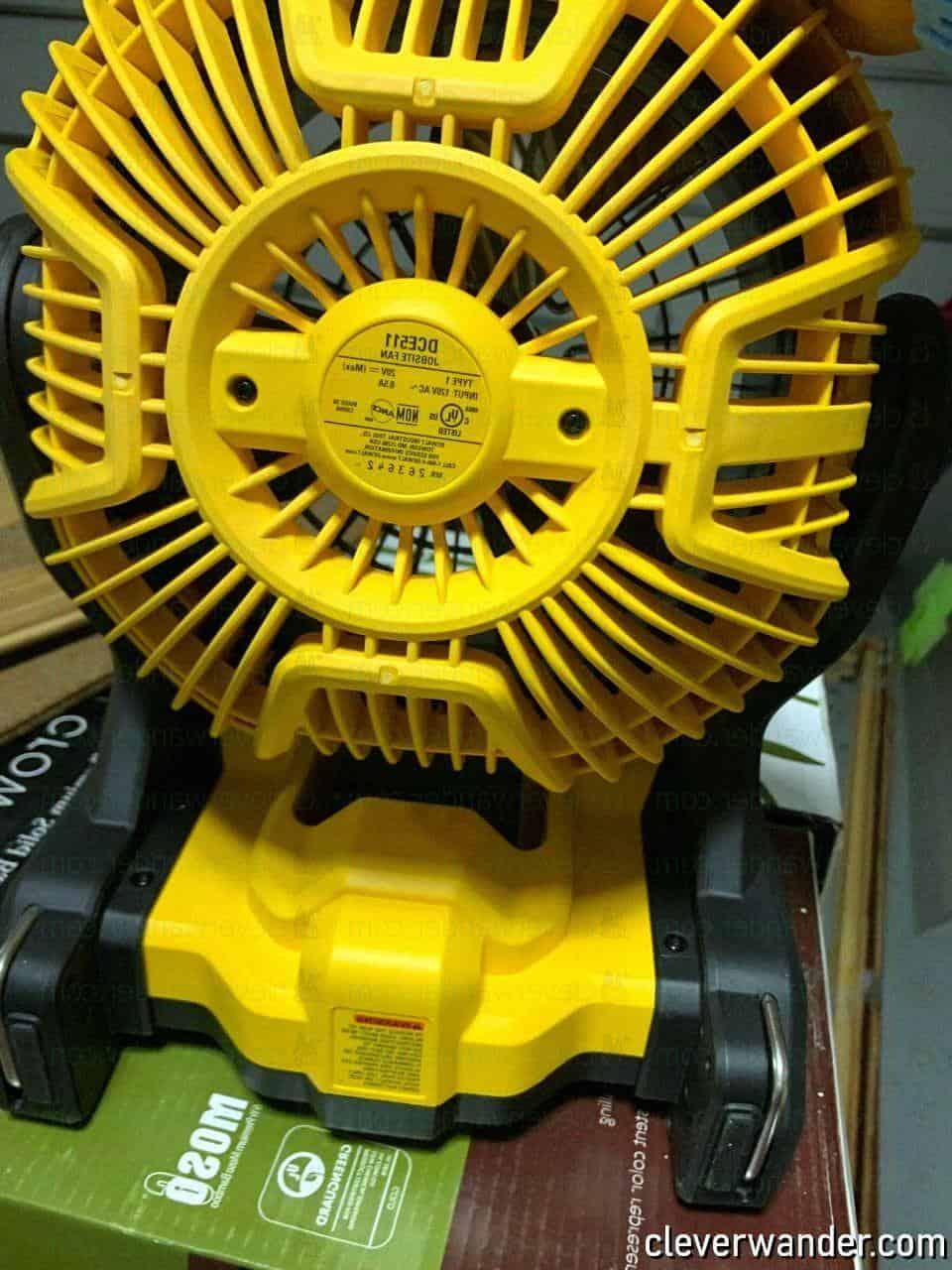 Dewalt DC3511B Cordless Jobsite Fan - image review 3