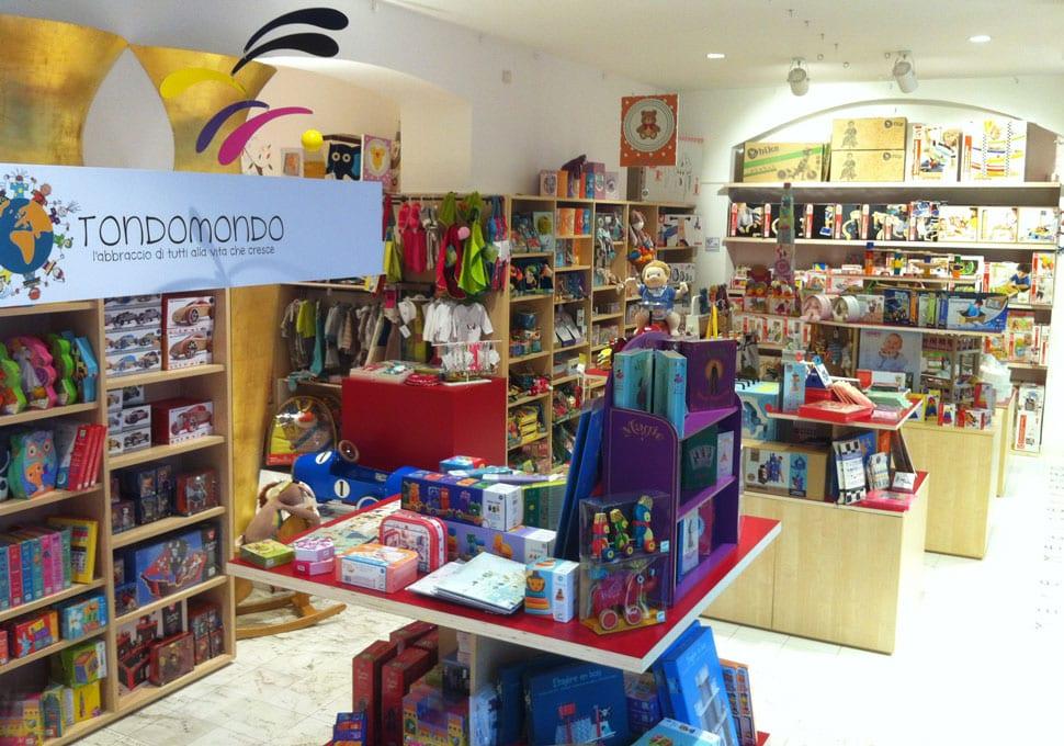 negozio tondomondo - giocattoli accessori abbigliamento cosmesi libri e cibo bio