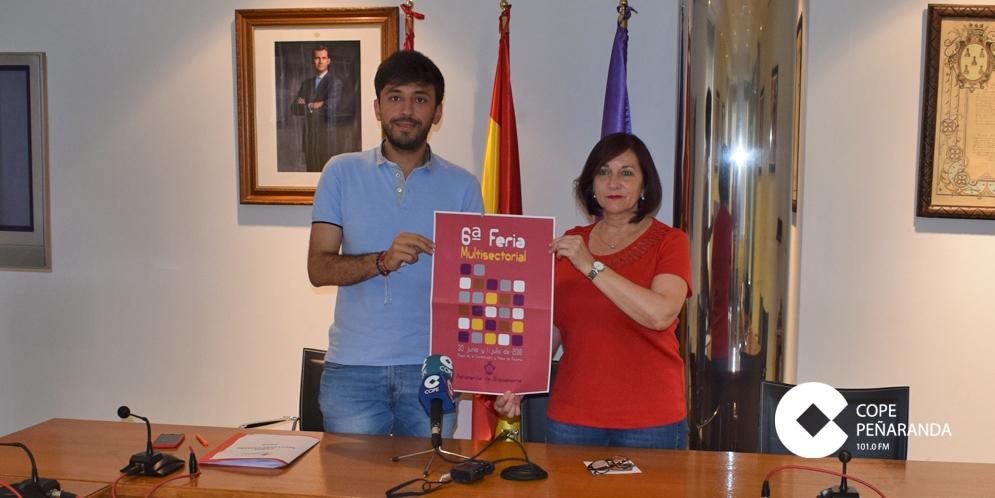 Francisco Diaz y Carmen Ávila durante la presentación de la Feria Multisectorial