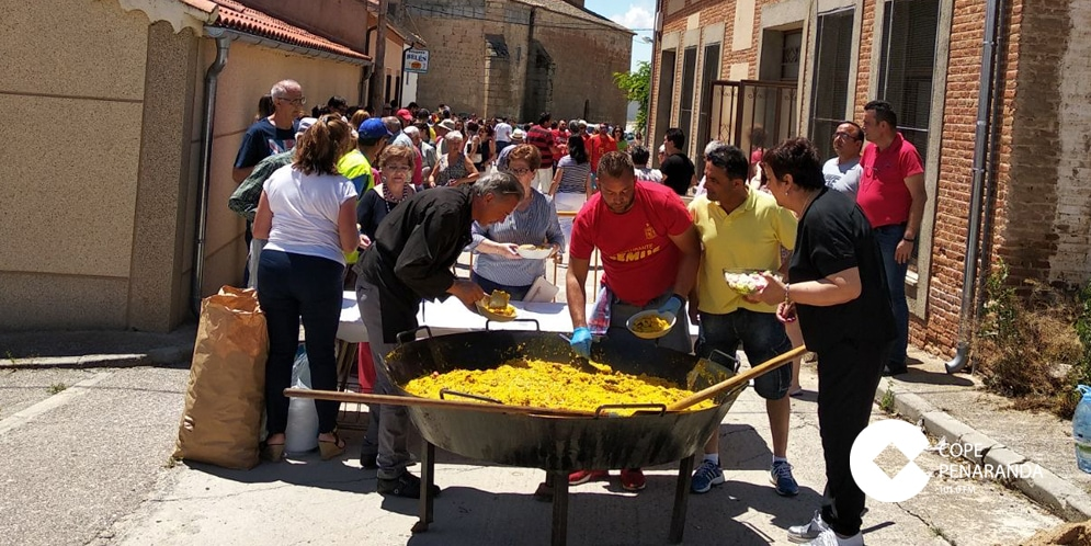 Cientos de vecinos de Mancera de Abajo debutaron una gran paella.