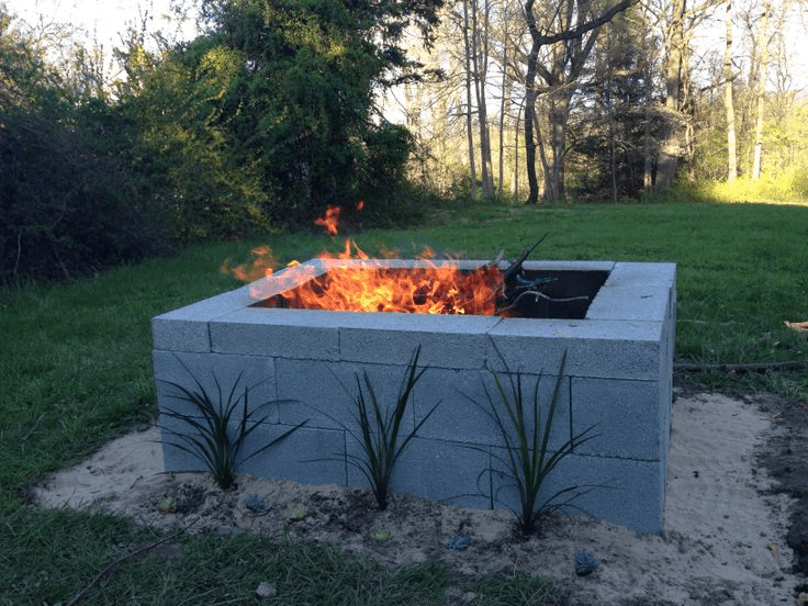 Outdoor Cinder Block Fire Pit