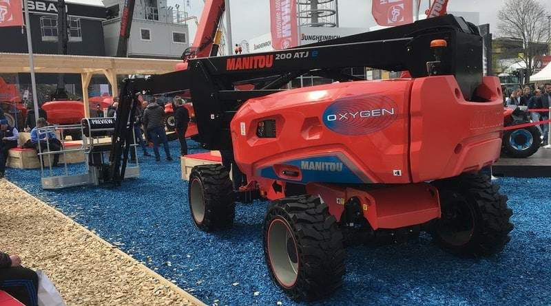 Manitou moves into electric