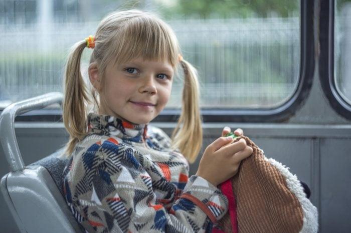 Child Girl Bus Happy  - LuidmilaKot / Pixabay