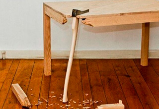 Замена треснувшей опоры дивана, Ремонт стола