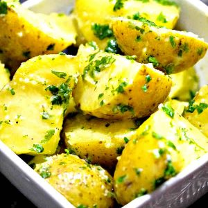 Simple Potatoes With Parsley and Garlic