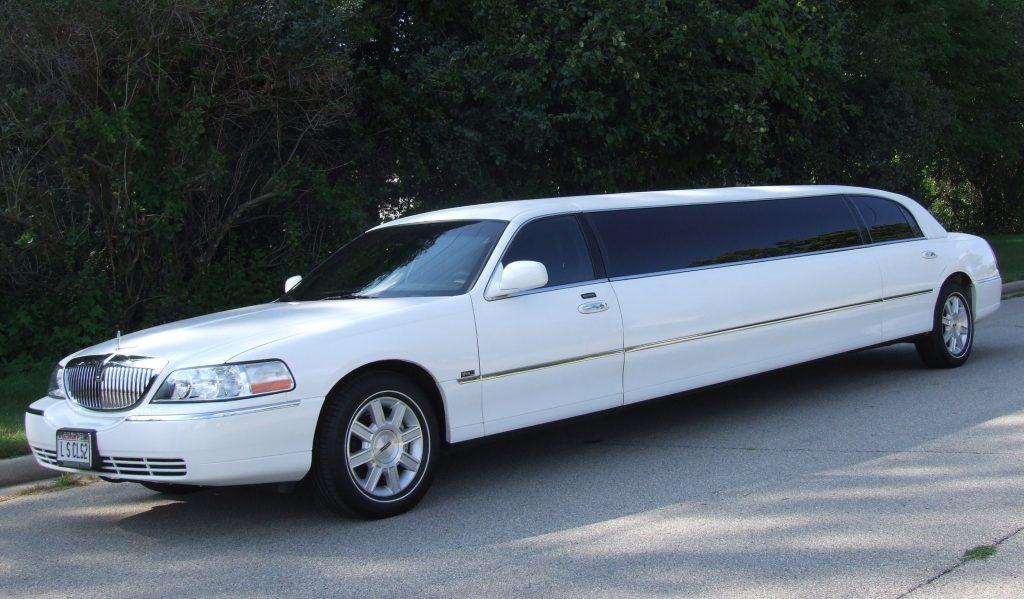 luxury 4-10 passenger stretch limousines