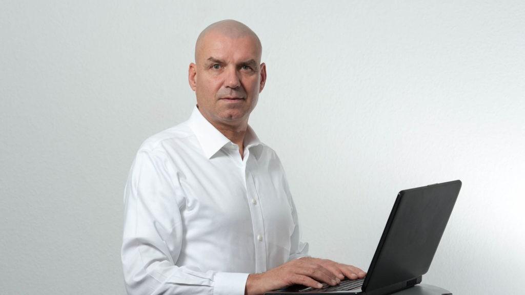 Strafverteidiger u Rechtsanwalt Bernd Idselis Delmenhorst