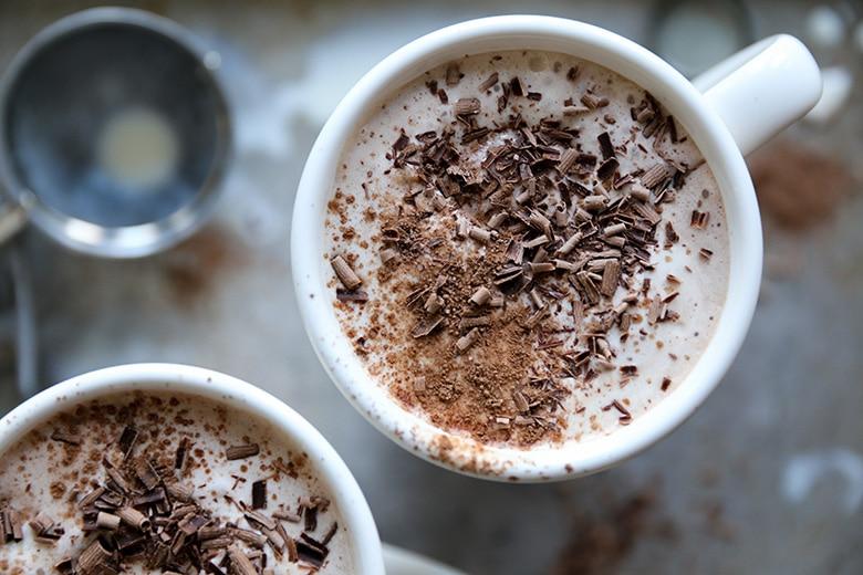 10 eenvoudige manieren om je warme chocolademelk te pimpen