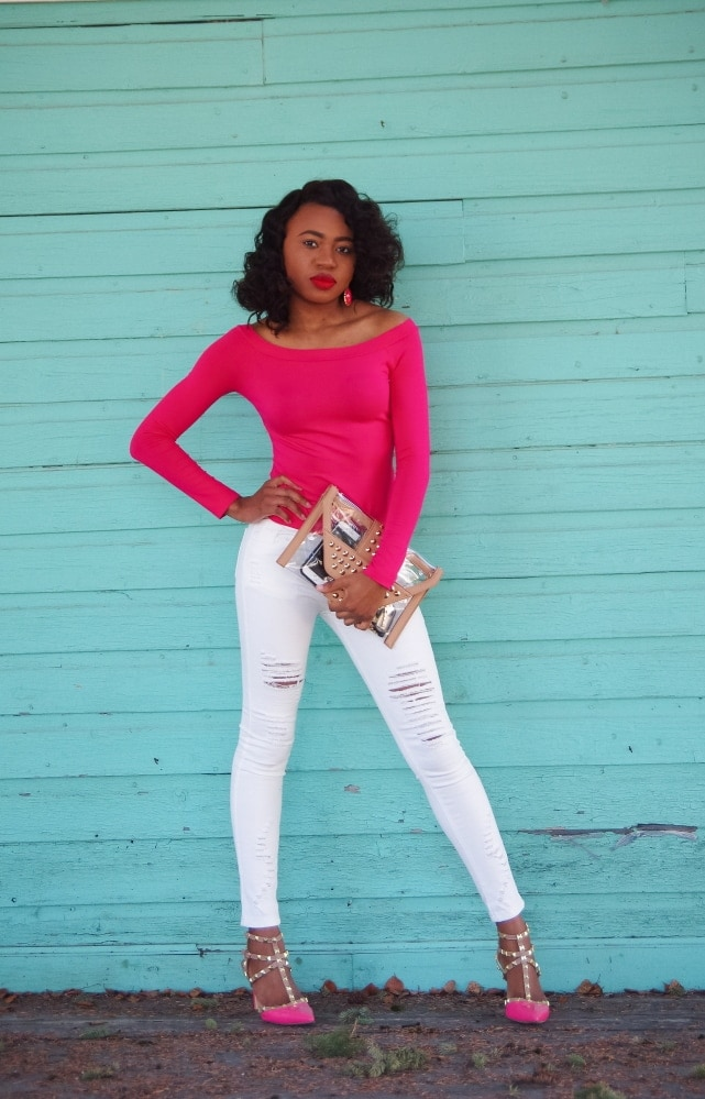 Alaska fashion blogger in pink off shoulder top and white distressed denim. Alaska's got fashion too!