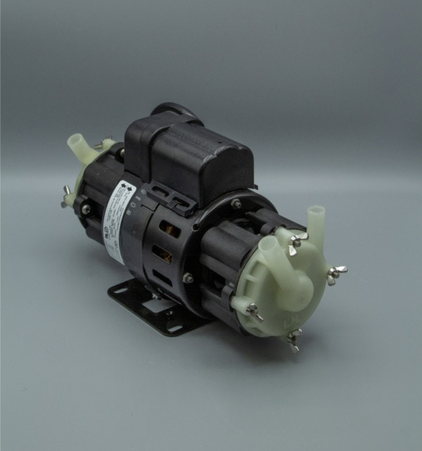 March Pump's 802 Dual Head centrifugal sealless magnetic drive pumps ideal for chemical transfer.