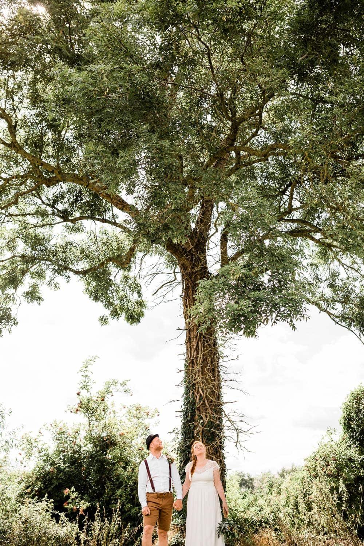huwelijksfotograaf Heuvelland West-Vlaanderen buiten Sanne Jan koppel