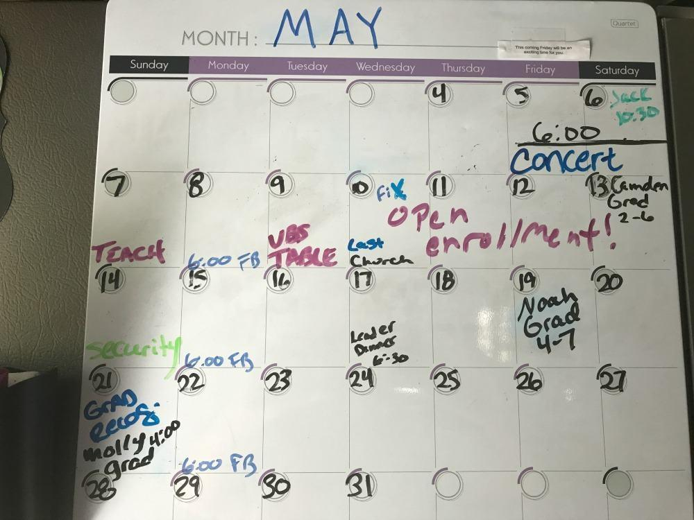 How to Create a Paperless Family Calendar System