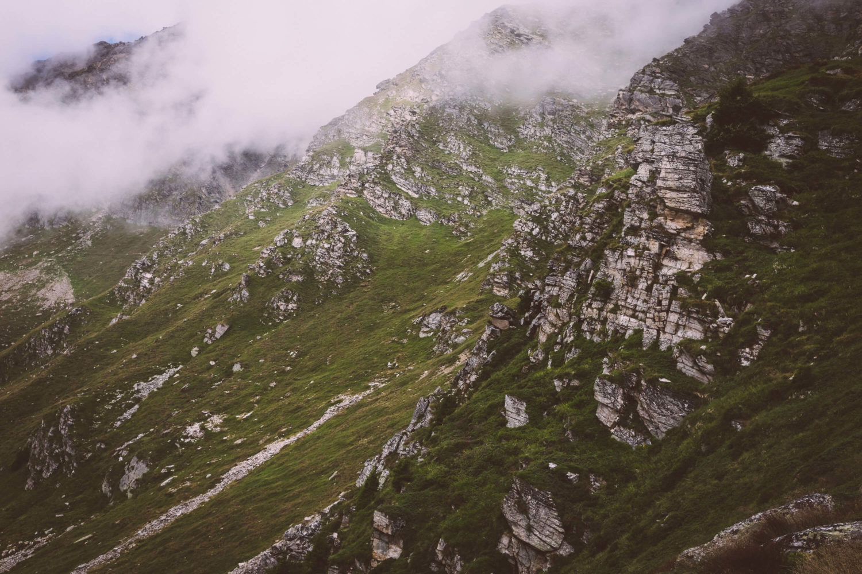 Zerklüftetes Gelände in Graubünden