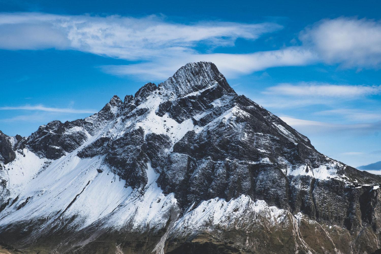 Hohes Licht mit Altschneefeldern