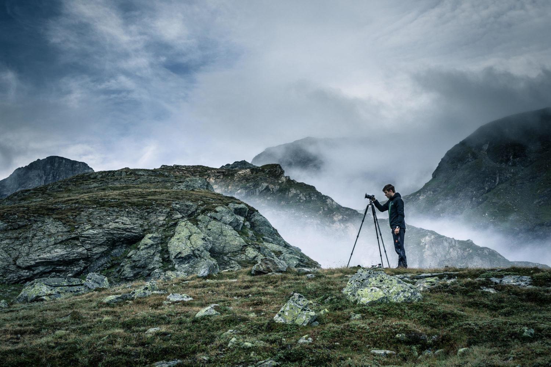 Jan Becker bei Langzeitaufnahme mit Stativ und Fujifilm Kamera