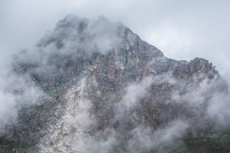 Faselfadspitze zwischen Wolken