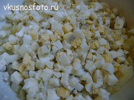 salat-s-seledkoy-retsept-foto