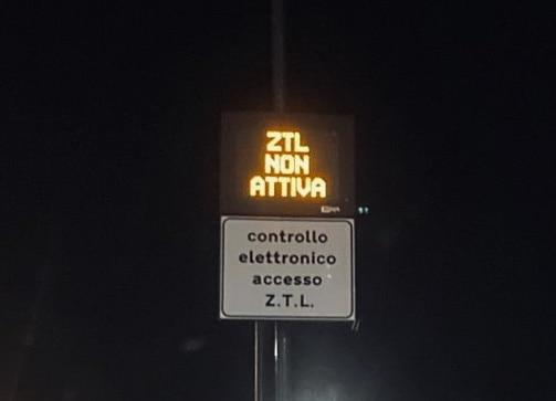 Italian driver ztl rome