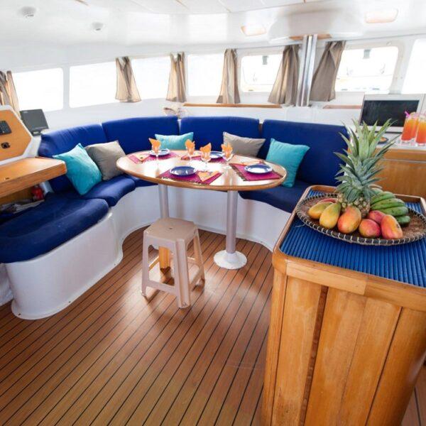dinette nel catamarano