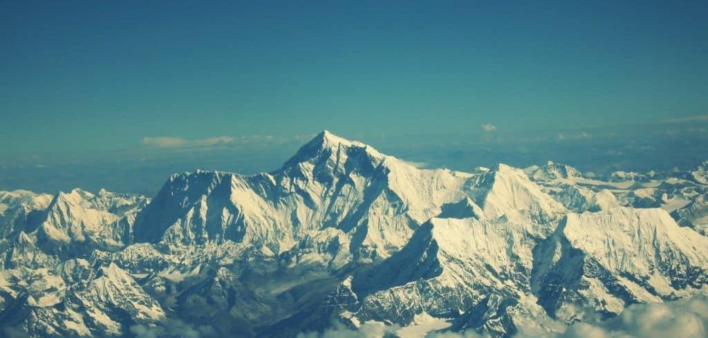 ¿Es realmente el Everest la montaña más alta del mundo?