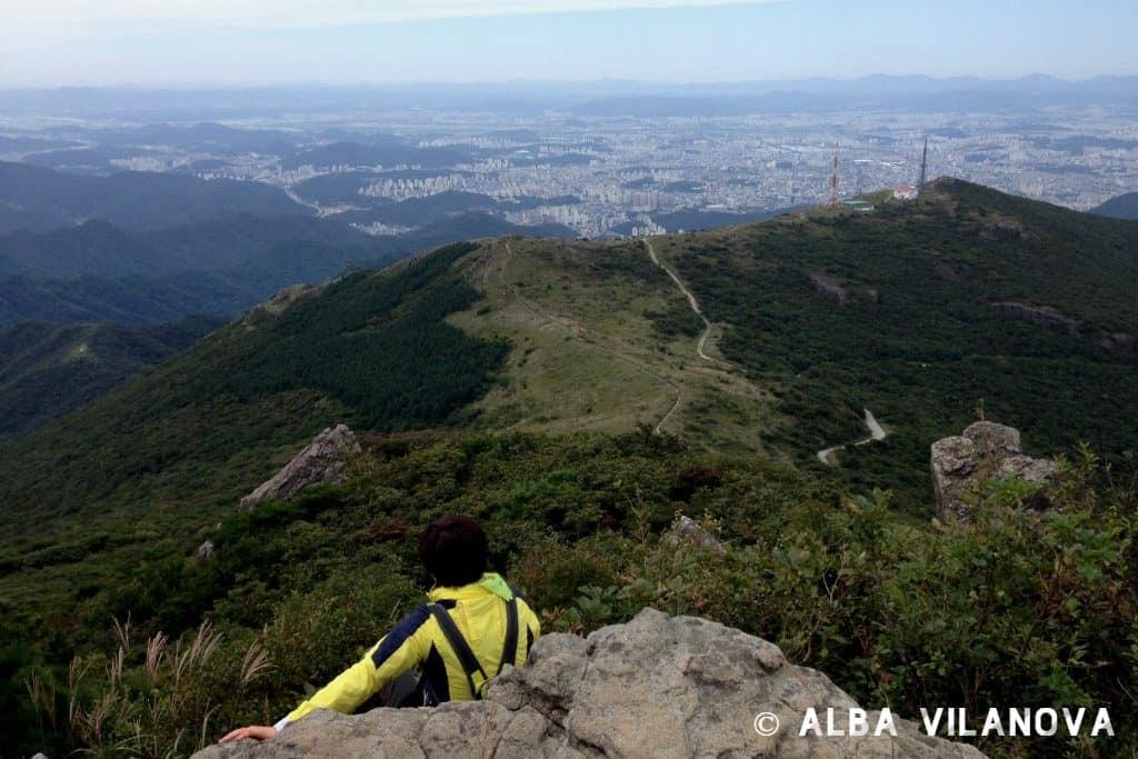 Gwangju desde la cima del parque nacional Mudeungsan - Corea del Sur - Viajar - Blog de Alba Vilanova