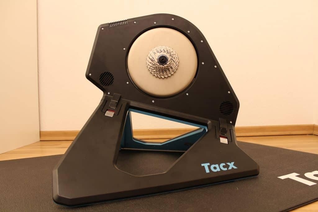 Tacx NEO 2 Smart im aufgebauten Zustand