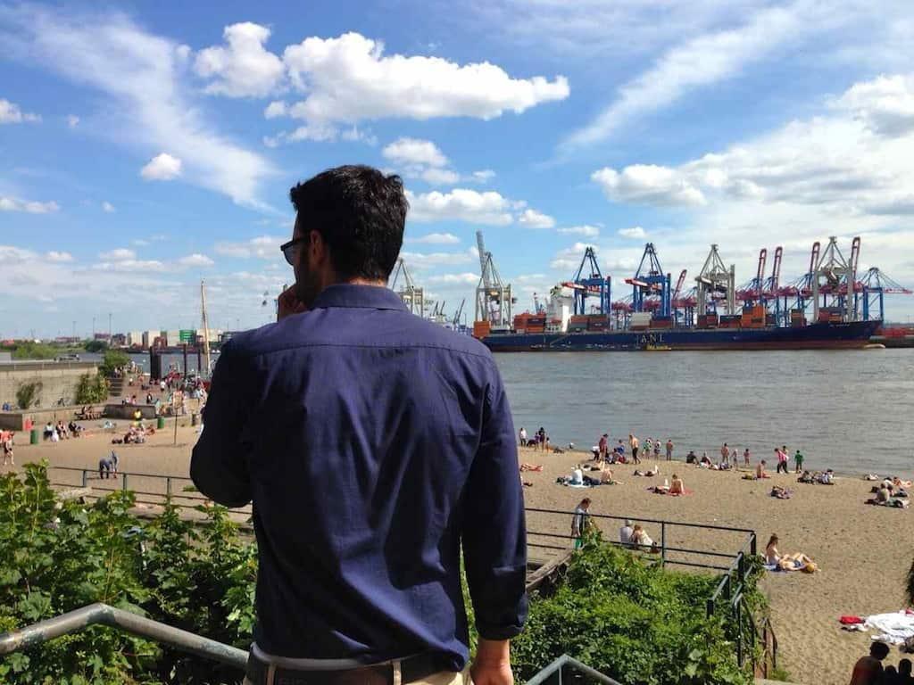Spanier Pablo Elbstrand Övelgönne Hamburg