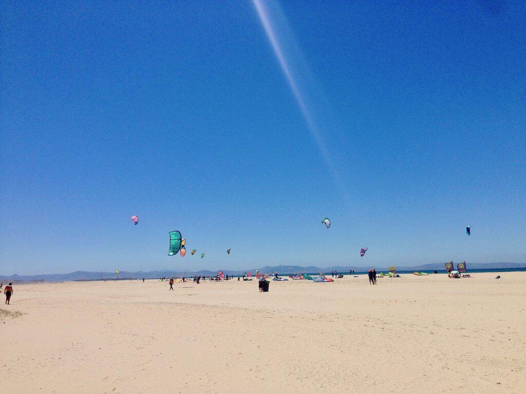 Kites am Tarifa Strand