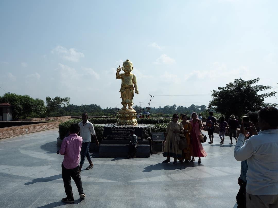 Goldener Baby-Buddha in Lumbini