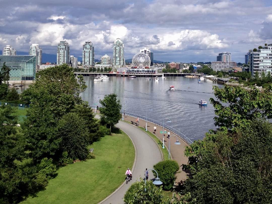 Vancouver Sehenswürdigkeiten: Science World mit Seawall