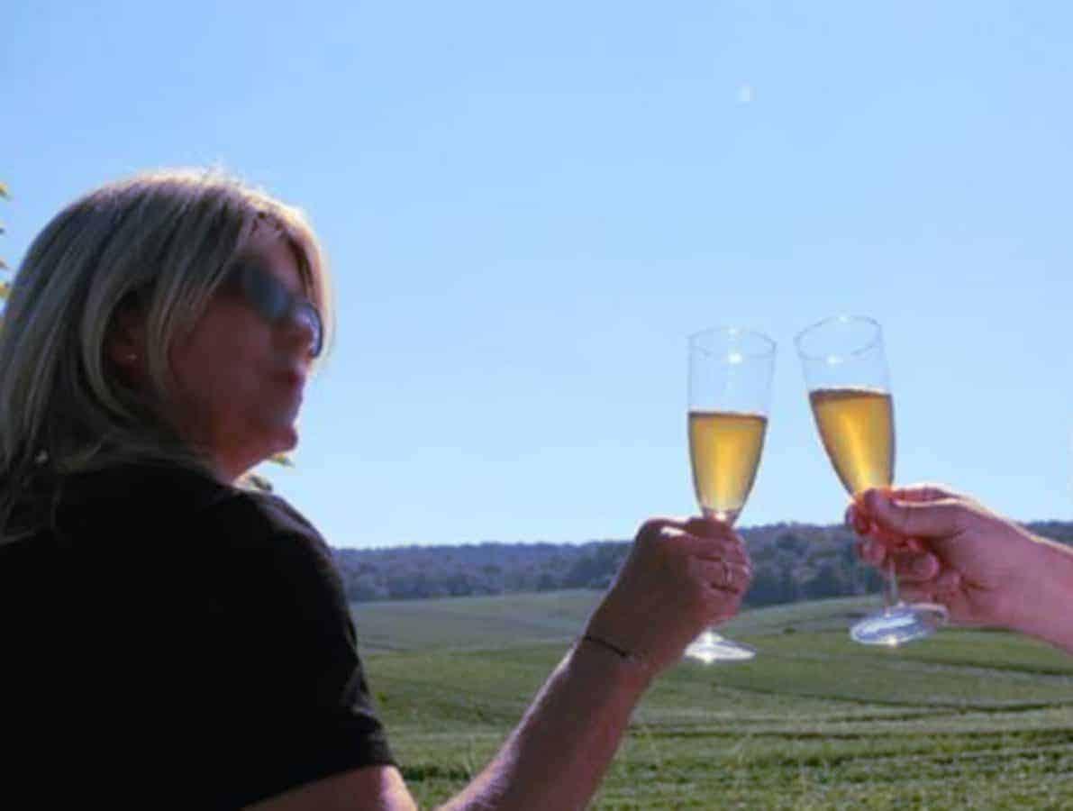 Champagne et plan cul festif à Reims – Annonces coquines pour couples et amants