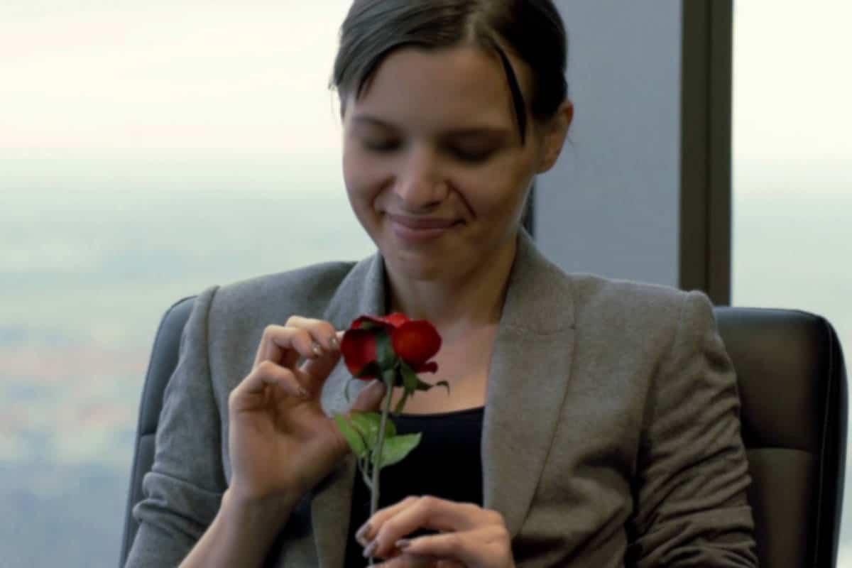 Fondre d'envie, excitée par des bouquets romantiques