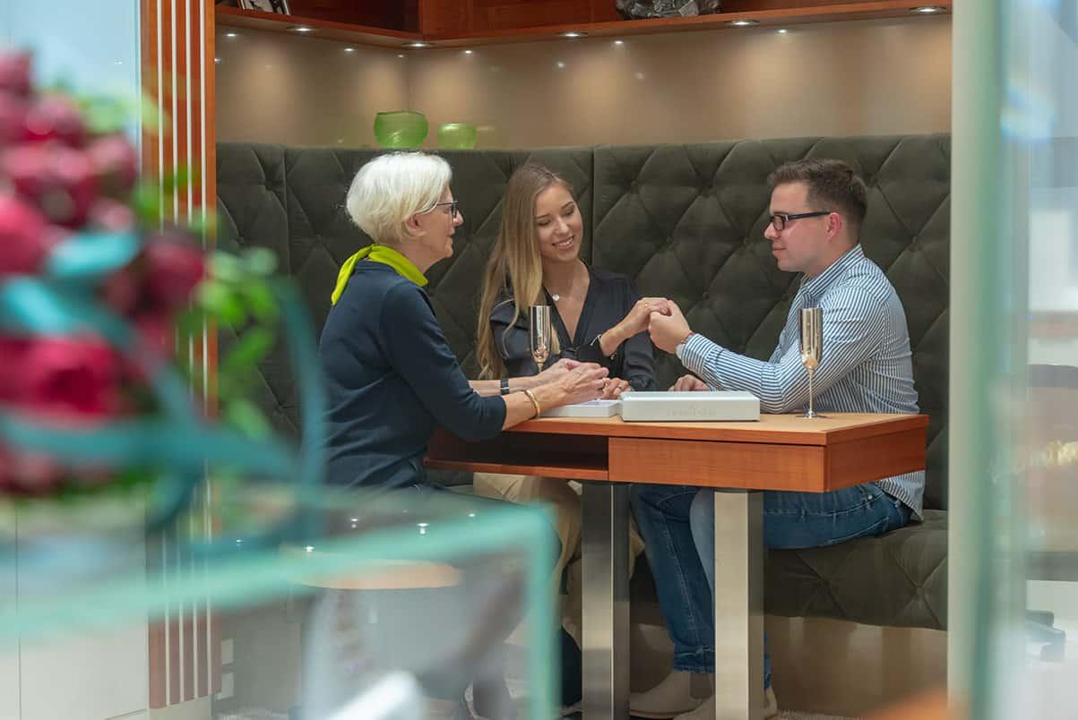 Eheringe und Trauringe bei Abeler Juwelier in Wuppertal