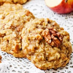 apple cinnamon oatmeal cookies on a white crochet placemat