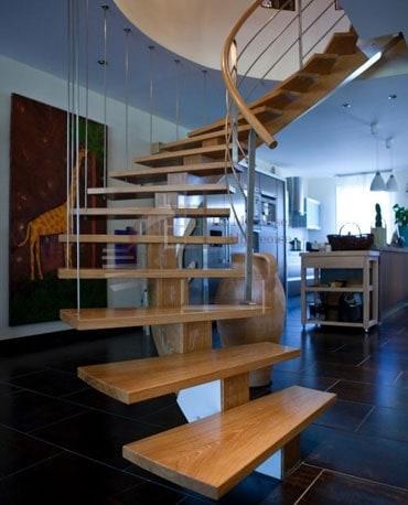 Escalier en bois dans le Tarn