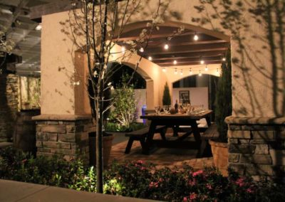 Outdoor Pergola with dinning area