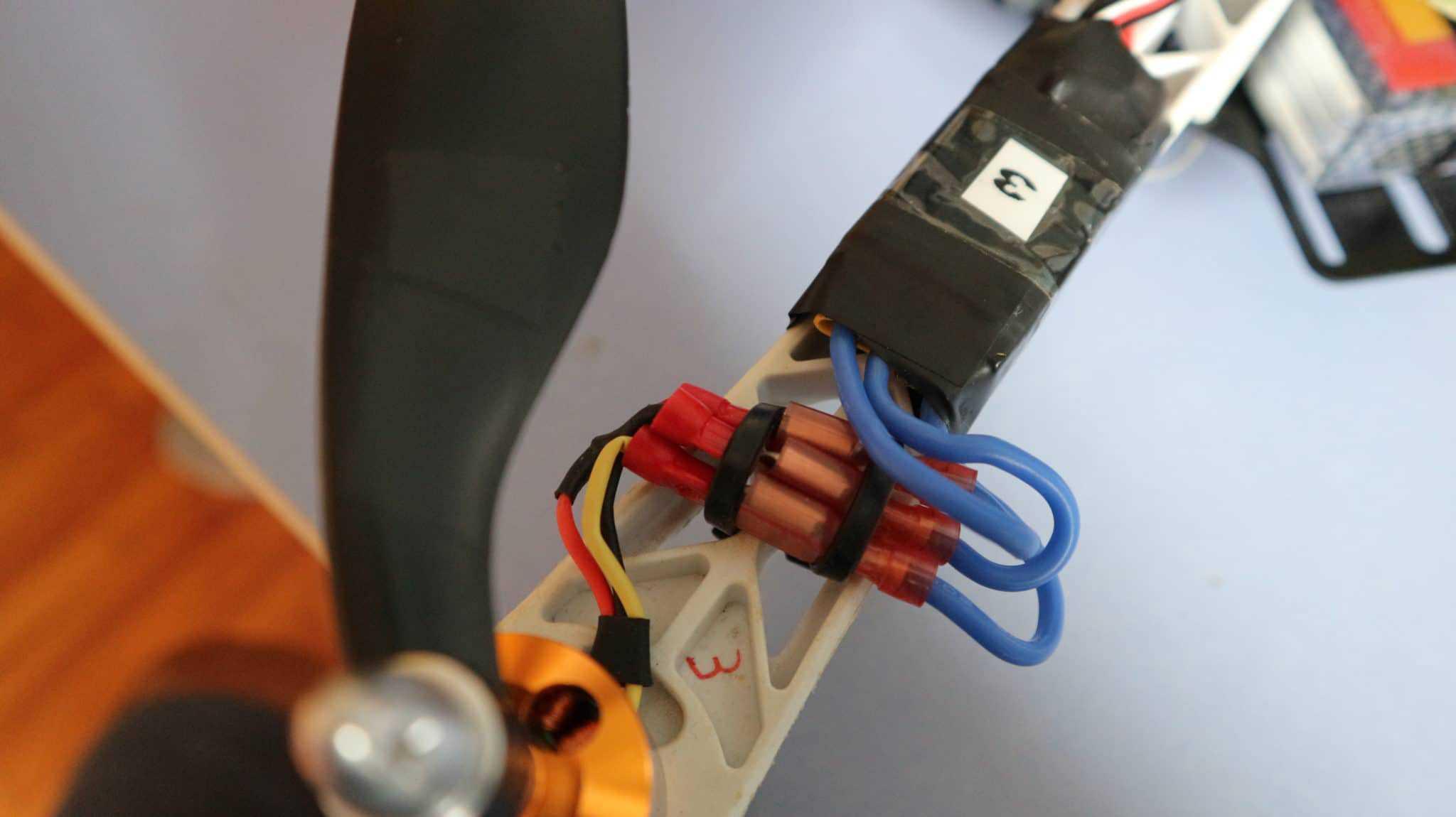 Conexión motor con ESC. Arduino drone.