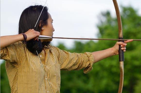 Les tireurs à l'arc ont besoin d'un niveau de concentration élevé pour atteindre la cible